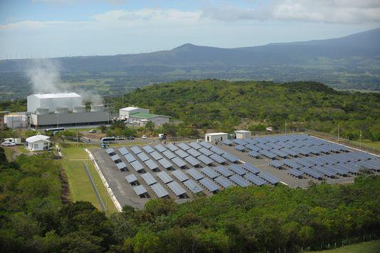 La ferme solaire Miravalles, au Costa Rica. RODRIGO ARANGUA/AFP