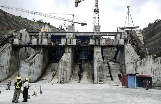 La future centrale hydraulique de reventazon