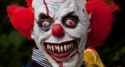 Creepy clown 830x450