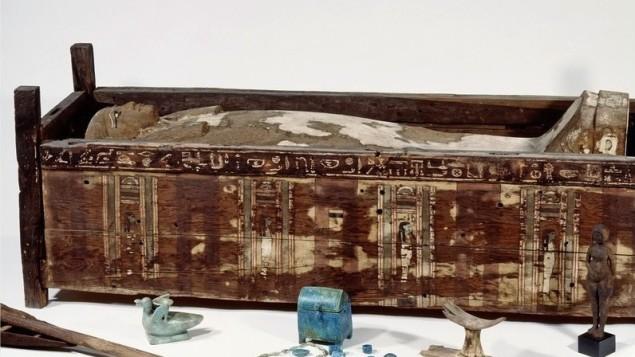 Le sarcophage de Tadja, dont la momie a été analysée dans la présente étude.