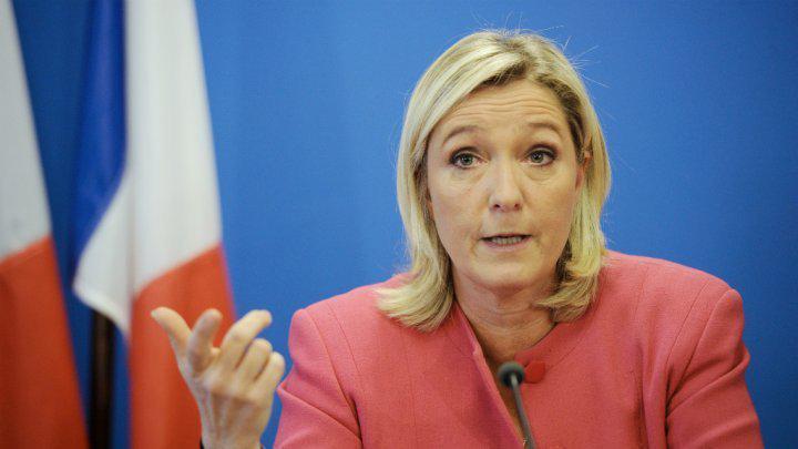 Elle Présidente, Marine Le Pen dissoudra l'Assemblée nationale si elle n'a pas de majorité en juin
