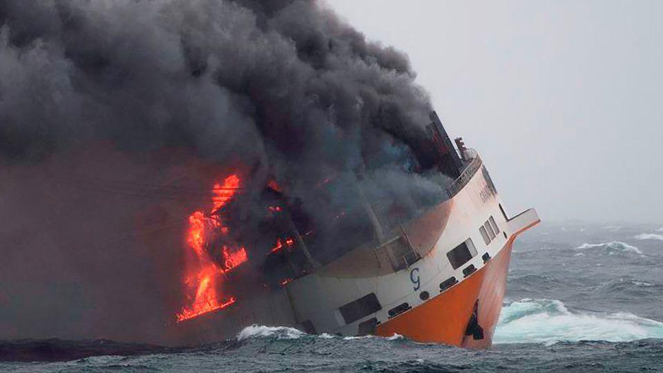 Grande america naufrage incendie bateau 6161332