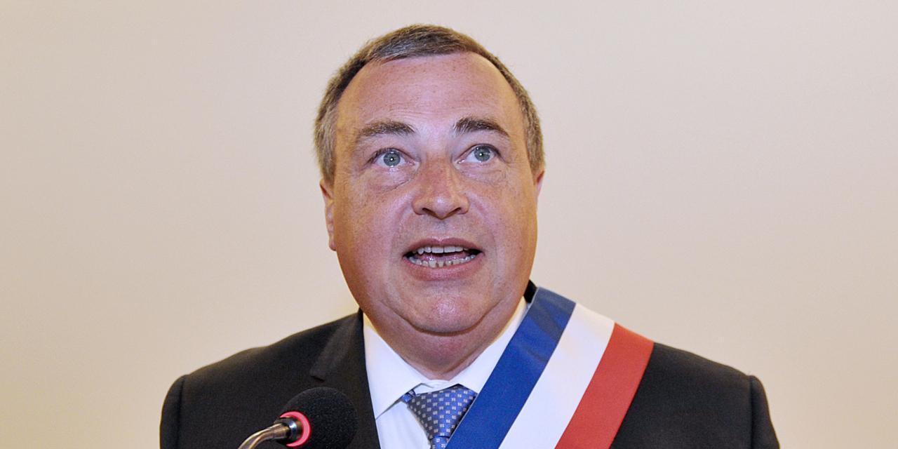 Le maire d orleans multiplie son salaire par quatre