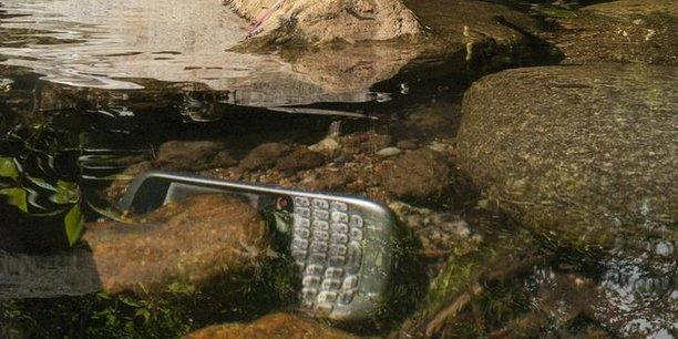 Les francais changeraient de smartphone en moyenne tous les deux ans sans forcement penser a recycler les anciens modeles 1