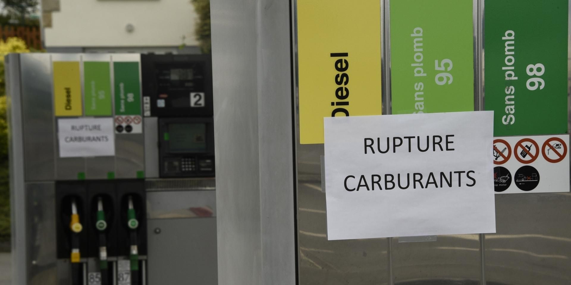 S0 transport de carburant la greve se poursuit la penurie guette a paris 404234