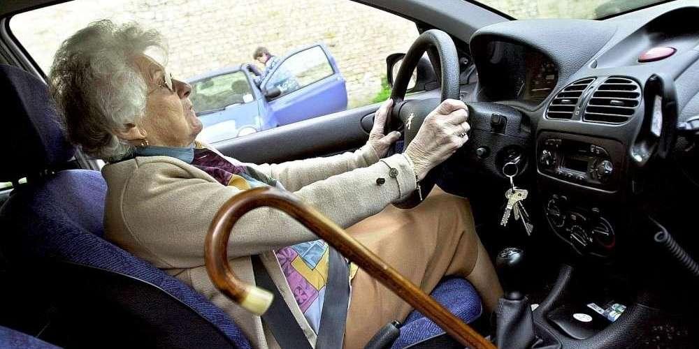 Senior au volant